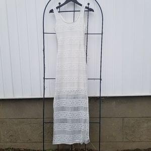 Le Chateau white sleeveless slit maxi dress XS